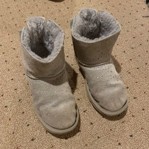 Ugg boots /kids with sparkles and Bows